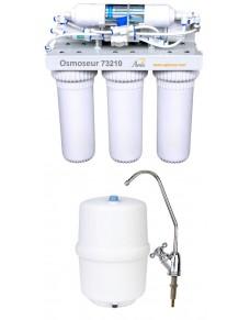 Osmoseur avec réservoir de stockage